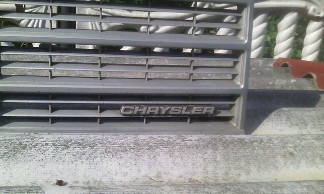 Решетка радиатора CHRAYSLER