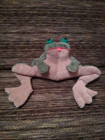 Подушка под голову игрушка мягкая жаба 24 см высота 30 см ширина