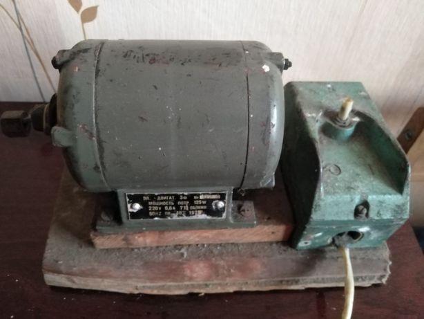 Электродвигатель 3 ф