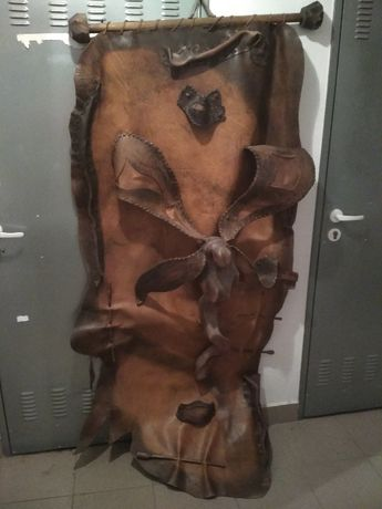 Dekoracja wisząca do zawieszenia, skóra naturalna, drewno