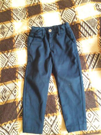 Spodnie chłopiece 104