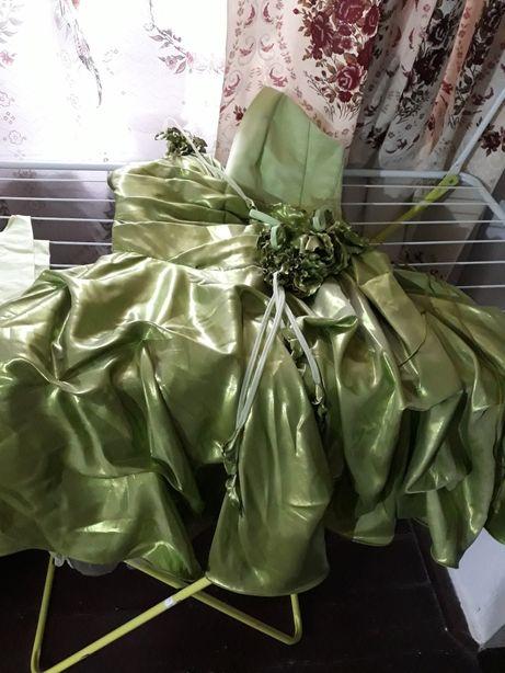 Нарядное платье на торжества