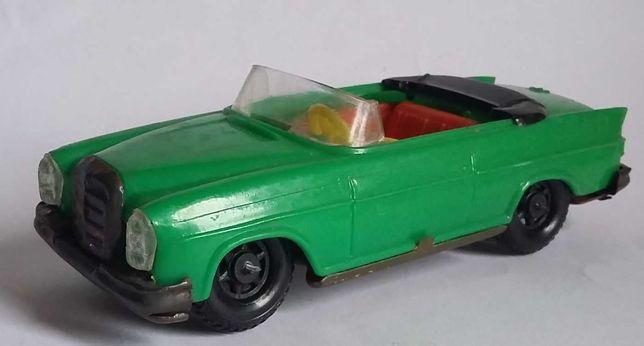 Antigo Mercedes descapotável em chapa e plástico- JATO(anos 70/80)
