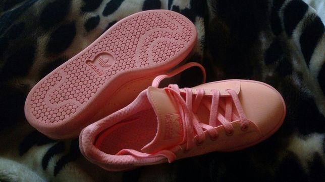 Женские кеды,слипы, кроссовки adidas