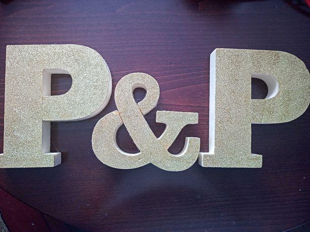 Sprzedam złote brokatowe litery P&P