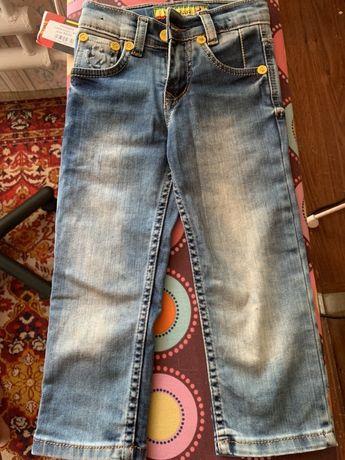 Продам детские классные джинсы феррари