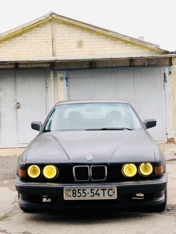 Продам BMW 735i