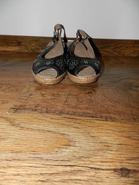 Damskie sandałki rozmiar 40