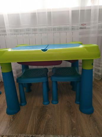Детский столик, для воды, песка.