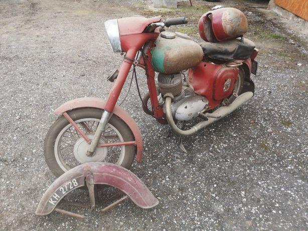 Motocykl Jawa 250 typ 353