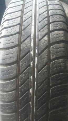 Vendo pneus semi novos 165/65R14