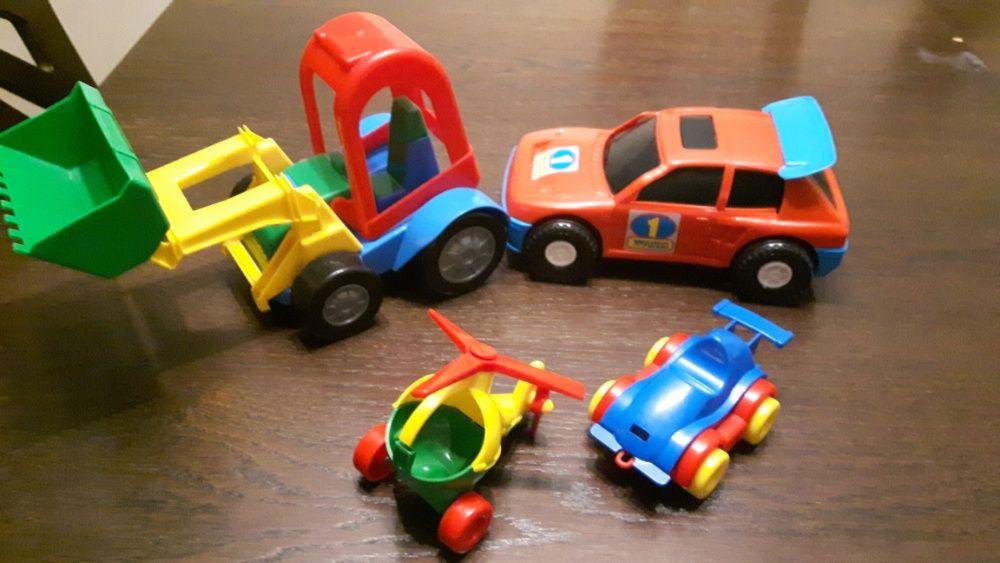 Zabawki Wader 4 sztuki: traktor z łyżką, autko sportowe, 2 x kid cars