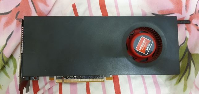 Продам видеокарту AMD Radeon HD 6870 1gb