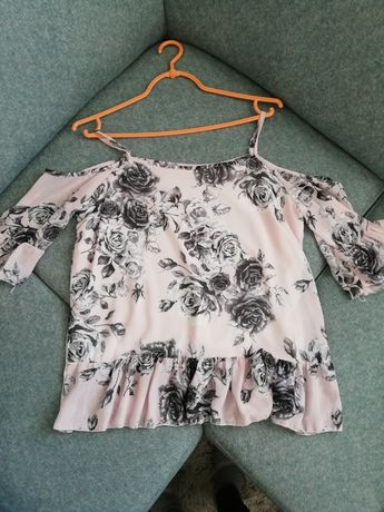 Śliczna bluzeczka odkryte ramiona s