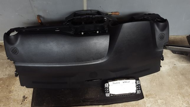 Konsola poduszka pasażera Mercedes W246