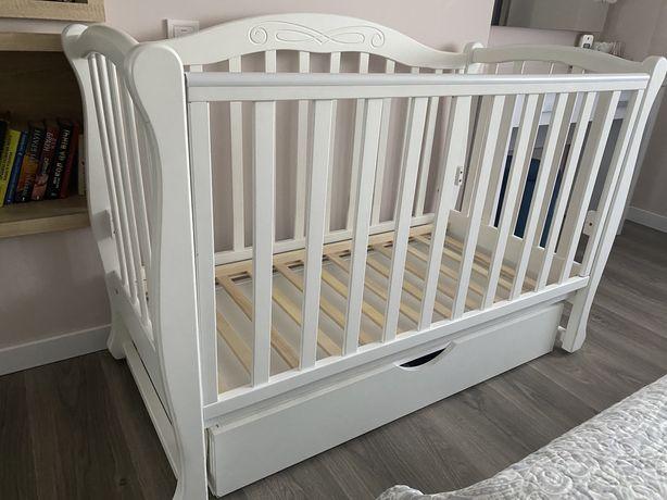 Дитяче ліжко із натурального дерева