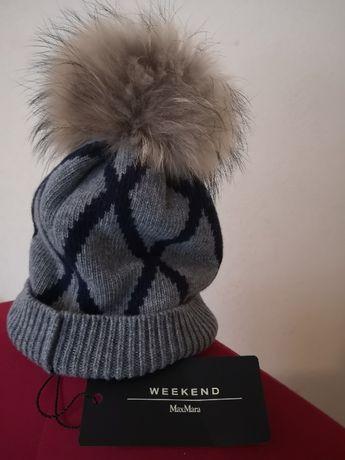 Nowa czapka MaxMara z pomponem z jenota
