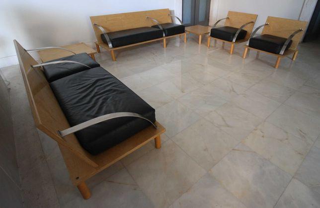 Mobiliário desenhado por Álvaro Siza Vieira