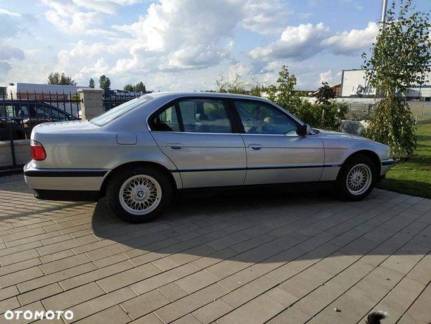 BMW Seria 7 BMW E38 740i 4.4 286