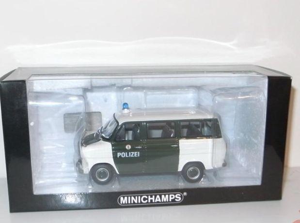 Ford Transit 1971 polizei Hamburg 1/43 Minichamps