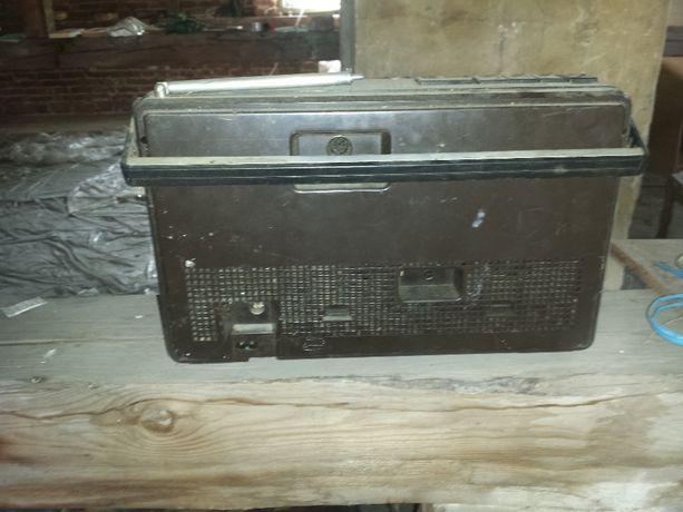 Radiomagnetofon Kasprzak RM 222.