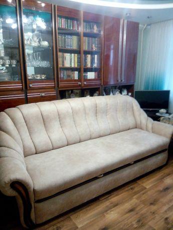 Диван и кресло в гостинную
