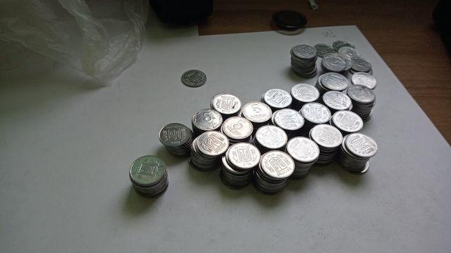 Продам монеты 5 копеек 317 штук, начиная от 1992 года
