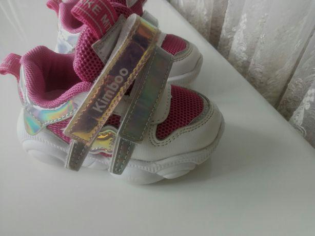 Продам кросівочки для дівчинки