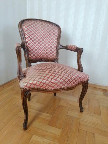francuski fotel ludwikowski