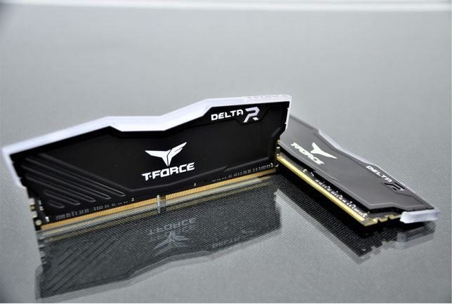 Memórias RAM T Force 3000MHz RGB