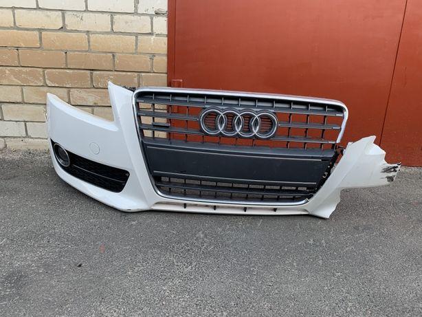 Передний бампер Audi A5 8T coupe. Дорестайл. Решетка туманки, фара.