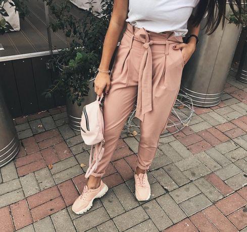 Штани пудрового кольору