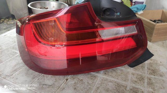 farolim traseiro esquerdo Led BMW F22 F23