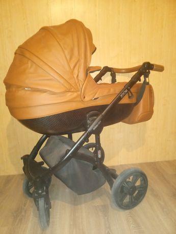 Продам коляску Mioobaby Zoom, универсальная коляска 2 в 1