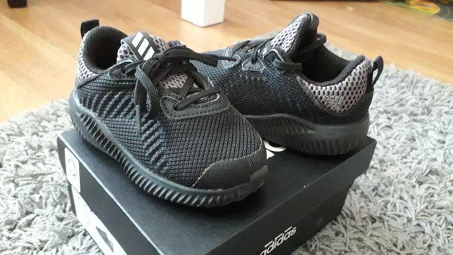 Ténis Adidas n.° 21