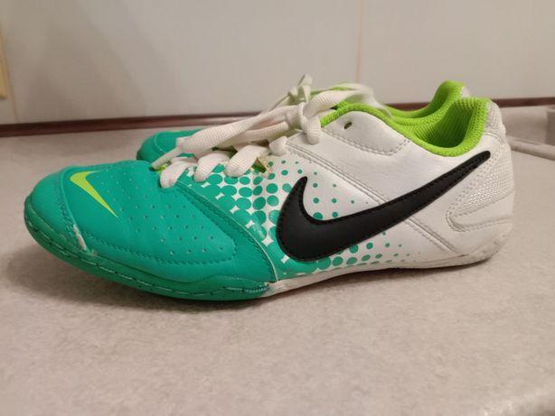 Кроссовки Nike р 36