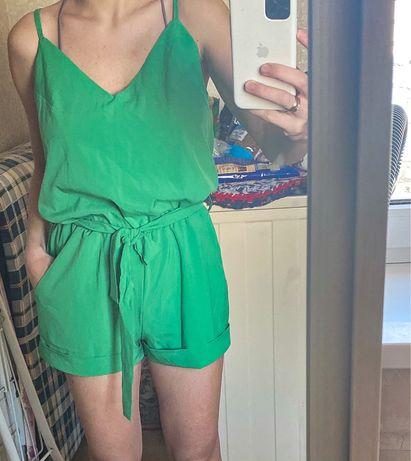 Зеленый модный green комбинезон летний сарафан шорты майка тренд 2021