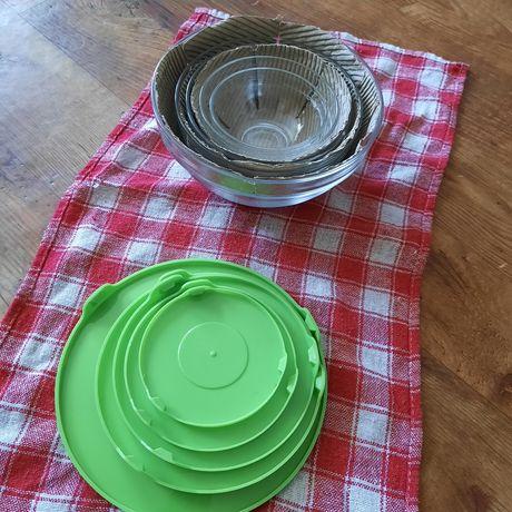 Стеклянная посуда, с пластмассовой крышкой , 5 штук