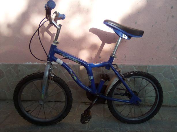 Bicicleta infantil até 8/9 anos