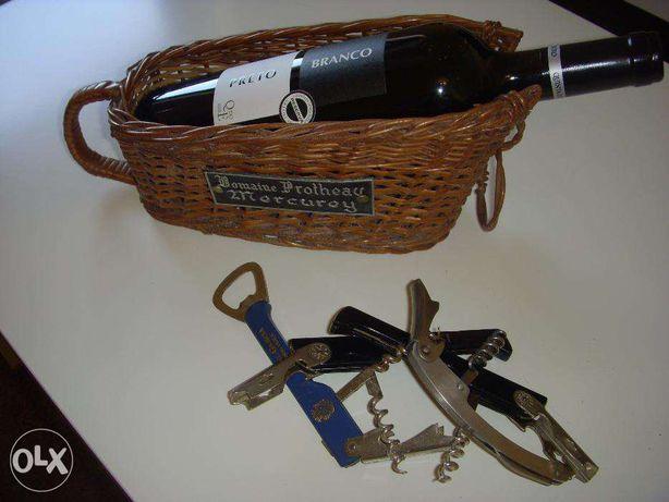 Cesto Suporte para Garrafa de Vinho e Saca-Rolhas