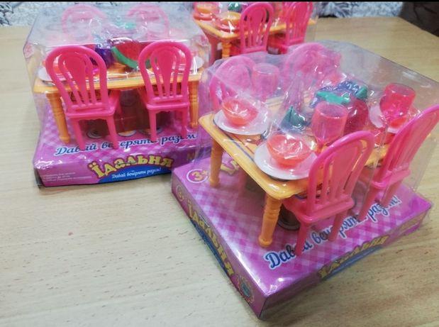 Мебель игрушки , столик для кукол