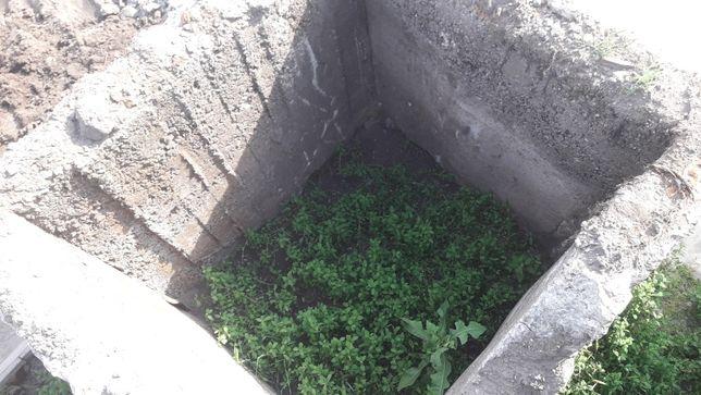 Бетонное изделие,кольцо,квадрат под выгребную яму или туалет