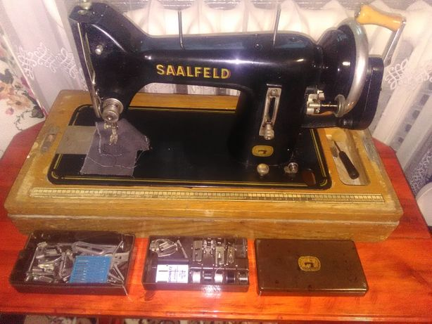 Продам немецкую швейную машинку SAALFELD