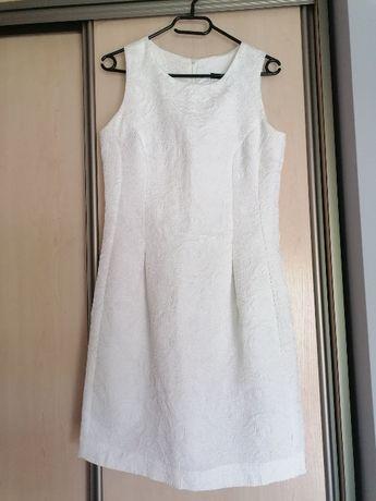 Biała sukienka idealna na ślub cywilny