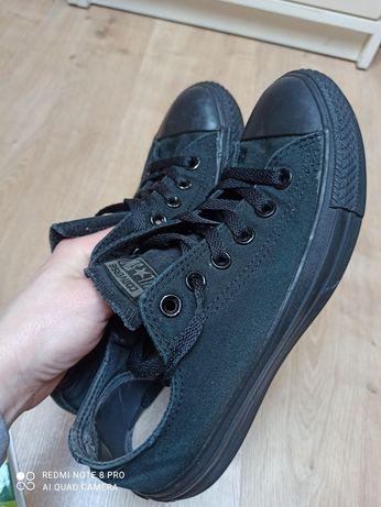 Trampki krótkie czarne Converse r 37.5