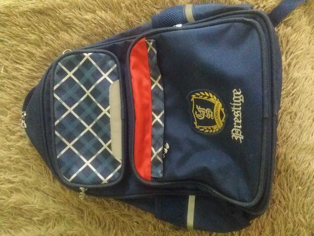 Школьний рюкзак для мальчика