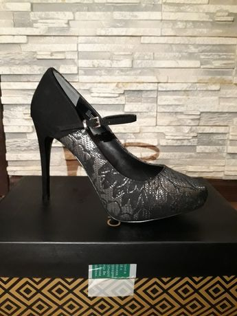 Элегантные туфли Charles by C.D.