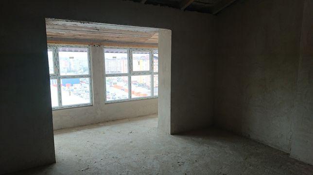2 кімнатна квартира Стуса,епіцентр 78,3м.кв .мансарда