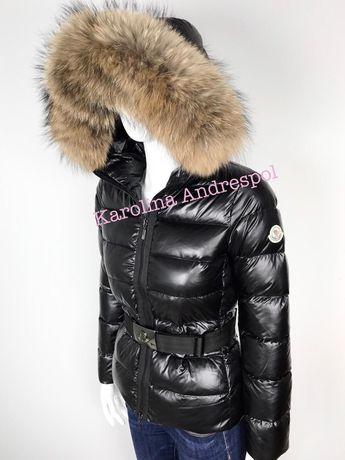 Moncler czarna kurtka pasek lakierowana mega jenot nat futro rozmiary