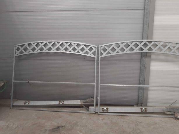 Brama wjazdowa dwuskrzydłowa, furtka i słupki